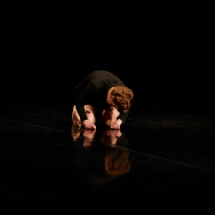 Performance of Rudio @ Yorkshire Dance, photography by David Lindsay